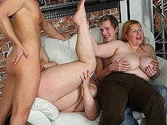 While her friends watch and play the BBW gets boned on the couch at a fat girl party