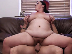 Clever photographer strips and seduces a young BBW slut with a thing for modeling