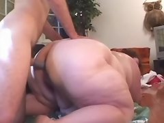 Obese woman screwed in doggy style